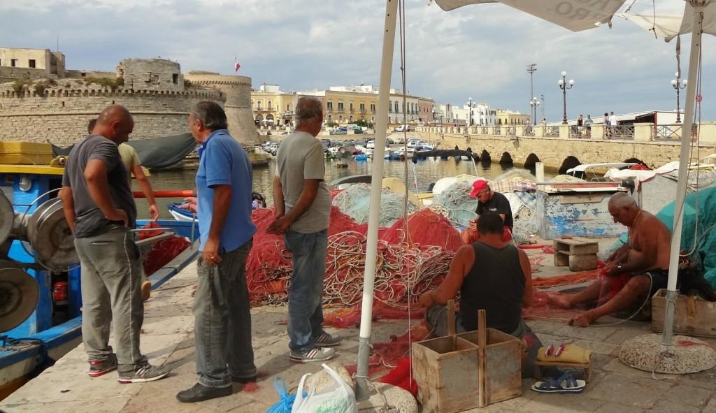 Fishermen Repairing Their Nets, Gallipoli